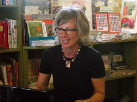 Retreat attendee Colleen Friesen reads at Sundog book