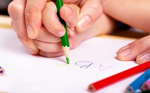 Know about handwriting analysis, its benefits and how it works