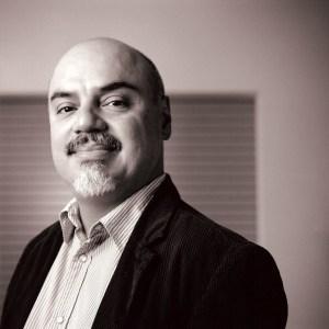 Hector Tobar (c) Doug Knutson
