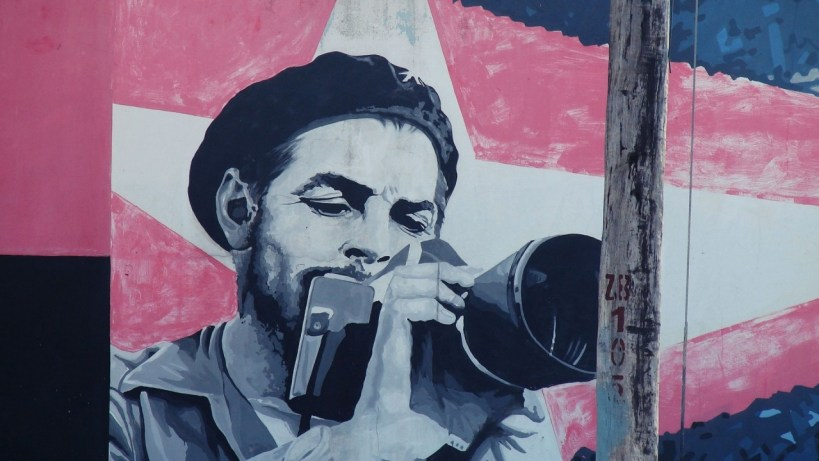 Che-Guevara-Cuba-Drawings-On-The-Wall-Graffiti-720x1280