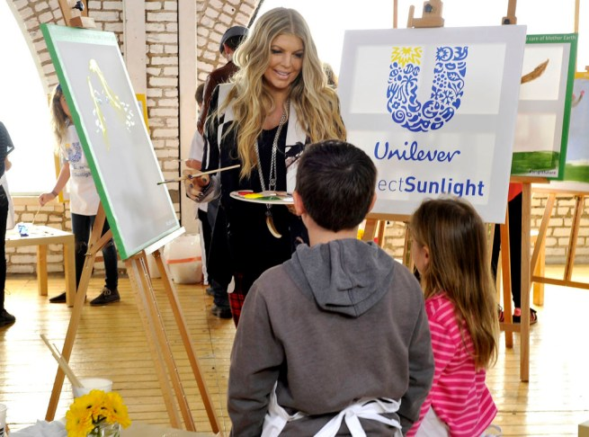 Fergie Teams up with Unilever on Universal Children's Day