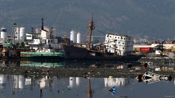 poluição na baia de Guanabara