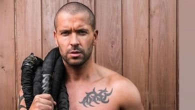 Photo of Shayne Ward shows off amazing abs after losing three and a half stone