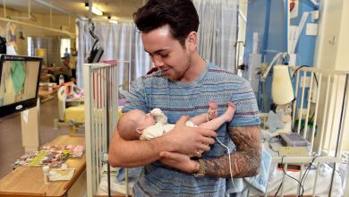 Photo of Ray Quinn visits Alder Hay to bring smiles to young patients' faces