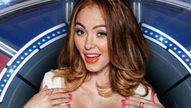 Photo of Natasha Hamilton shows off her engagement ring