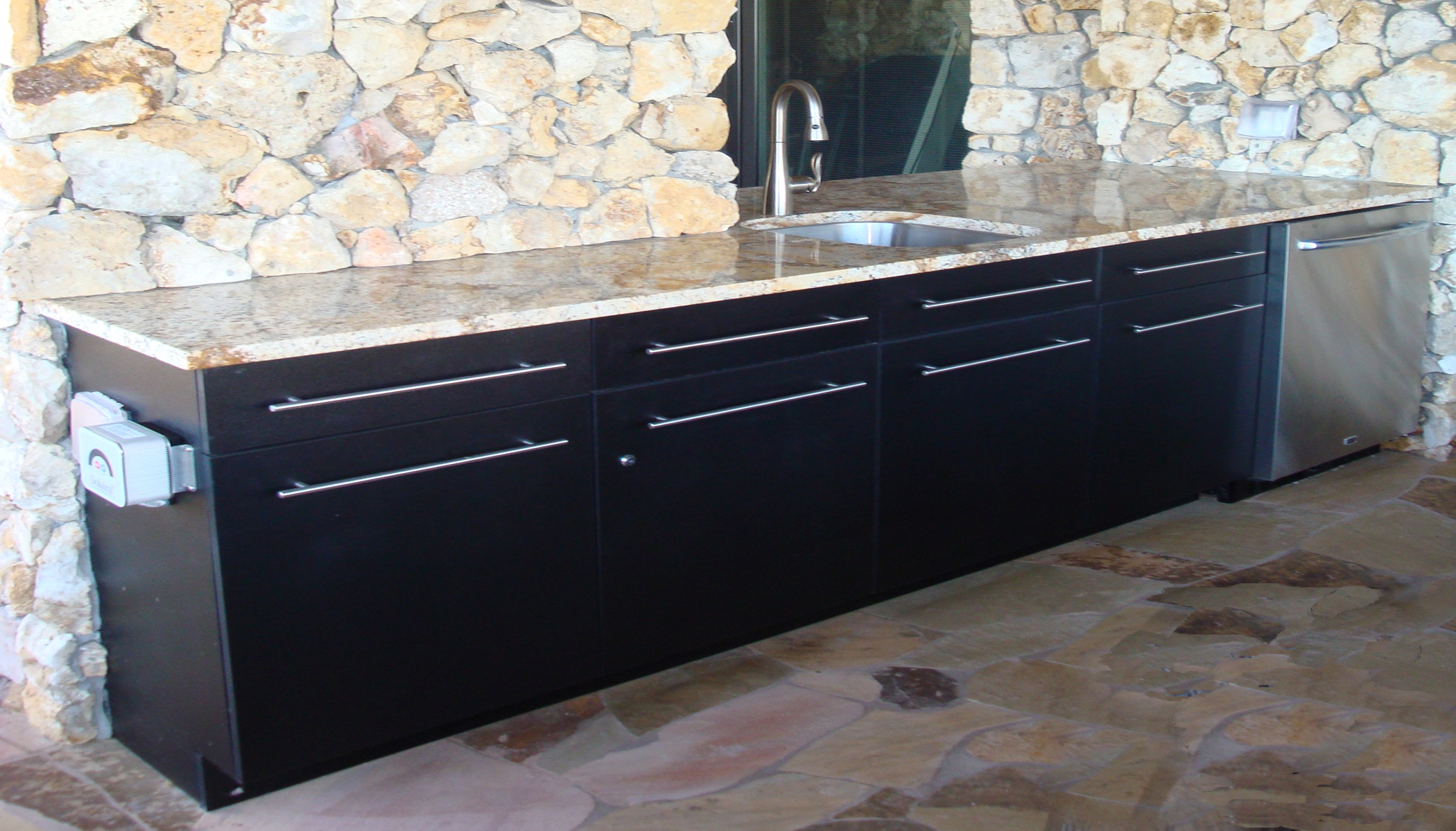 prweb outdoor kitchen cabinets SouthernStone uses Vycom HDPE for various cabinet styles and colors
