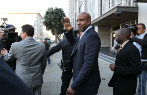 Barry Bonds leaving court in 2011. (Justin Sullivan/Getty Images)