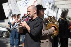 striking symphony musician