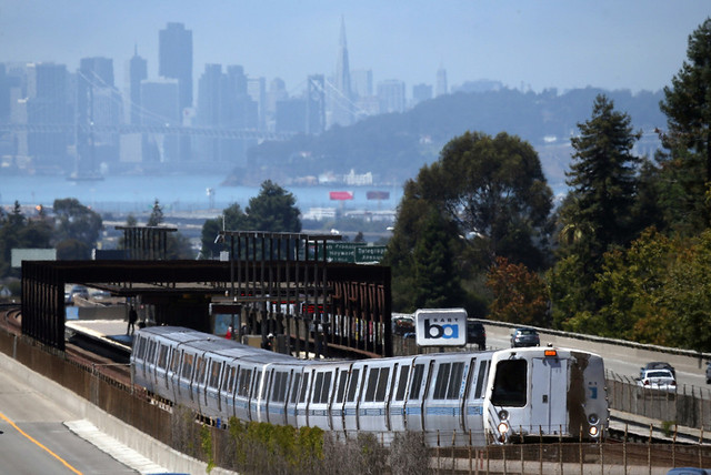 A BART train pulls out of Oakland's Rockridge station. (Justin Sullivan/Getty Images)