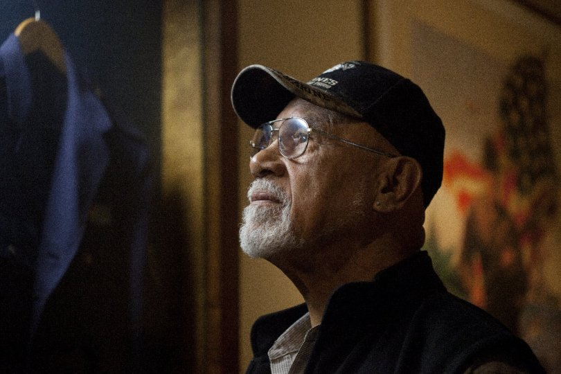 """""""They're knocking out cases left and right,"""" said Dave Culmer, the American Legion's service director in Los Angeles, has been helping veterans with their disability claims for more than 40 years. (Adithya Sambamurthy/The Center for Investigative Reporting)"""