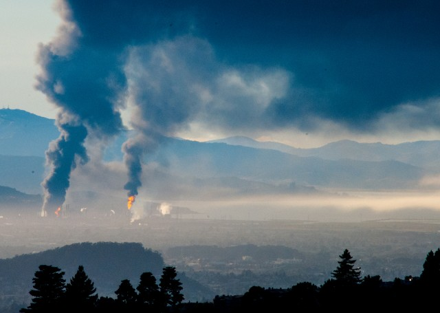 The Chevron refinery fire in Richmond in August 2012 sent smoke across the Bay Area. (Stephen Schiller/Flickr)