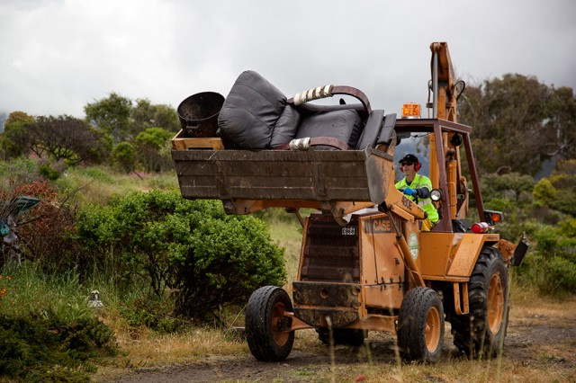 Mark Matherly removes abandoned possessions from the Albany Bulb (Mark Andrew Boyer/KQED)