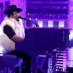Watch D'Angelo's Emotional Tribute to Prince, With Help From Maya Rudolph