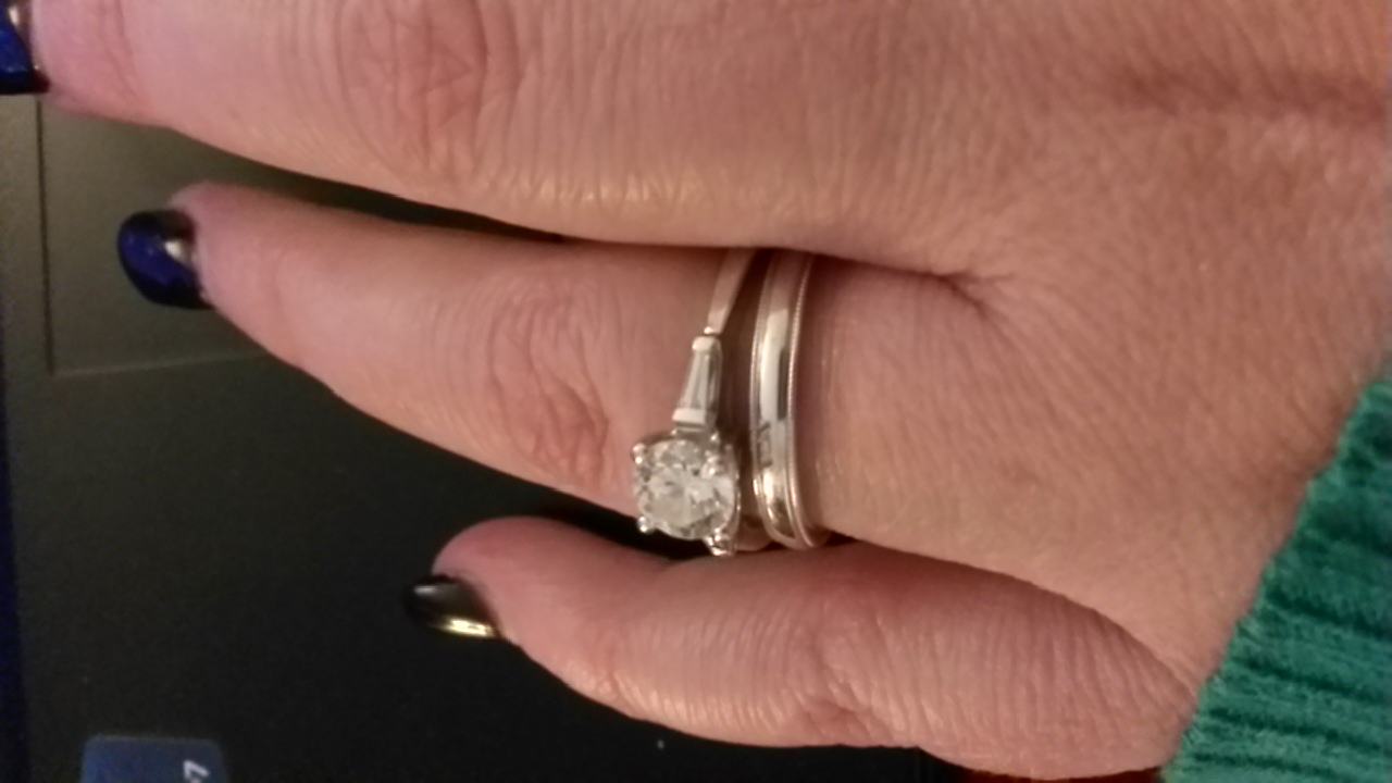 plain band widths and pictures please milgrain wedding band Wedding band is 2 5 mm with a milgrain edge so not completely plain It s thick enough height wise and very sturdy I didn t want a paper thin flimsy band
