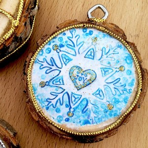 Wood Slice ornament with Snowflake printable designed by Jen Goode