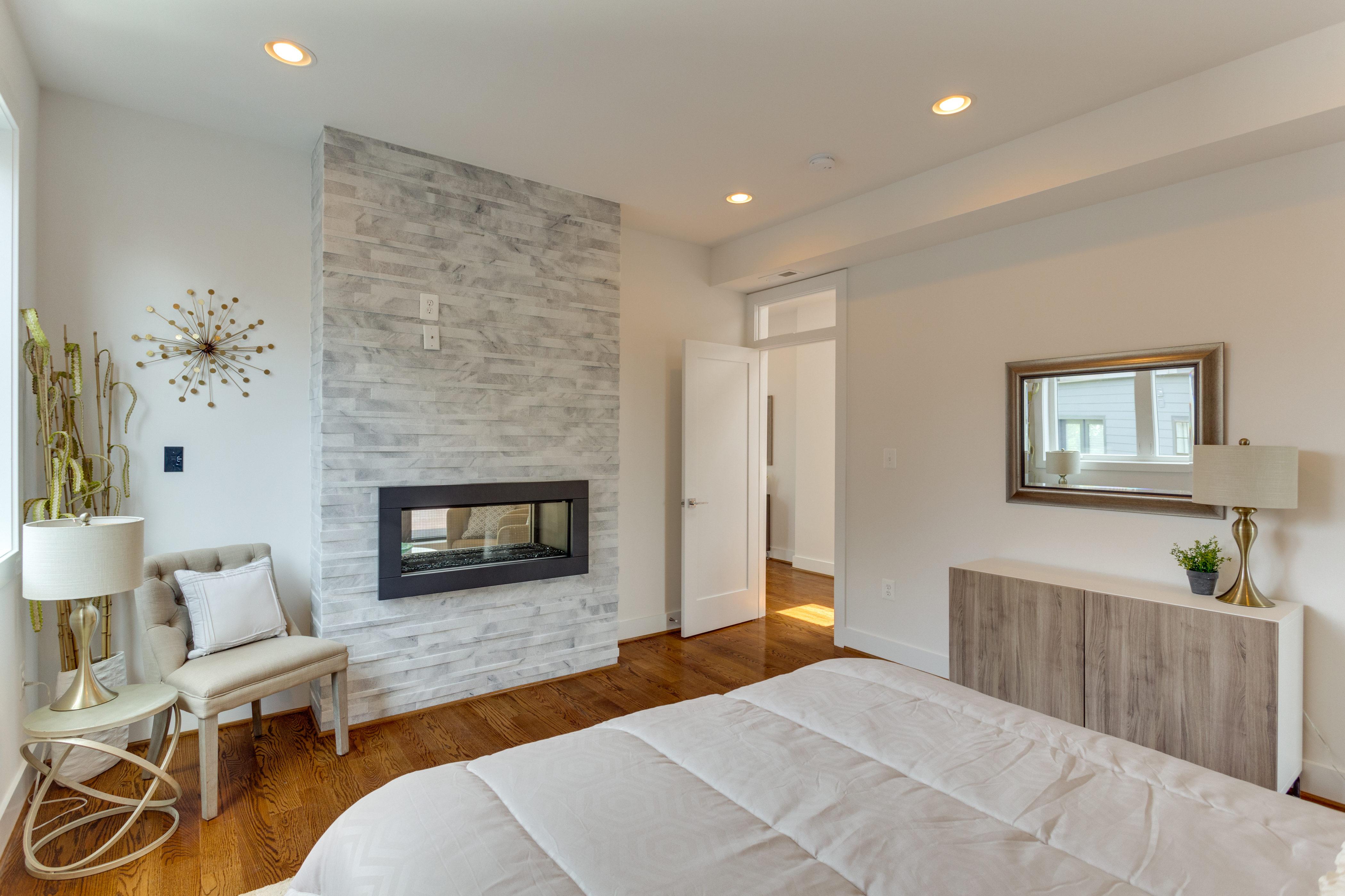 15 Grant Cir NW Unit 3-print-036-12-Bedroom-4200x2800-300dpi