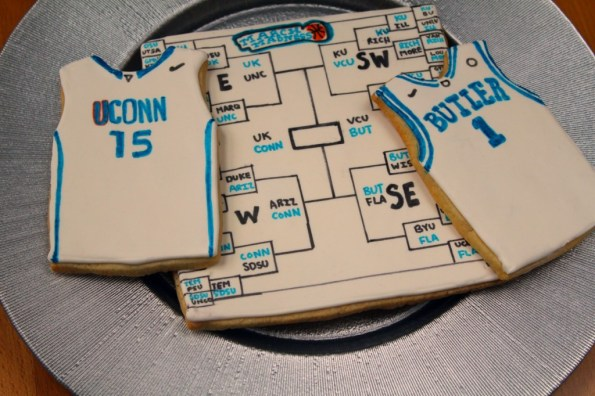 Basketball and bracket jersey cookies