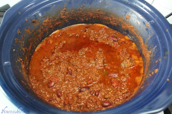 cook for long time Ground beef or cubes or beef Add bean, tomato paste, canned tomatoes, bay leaf Canned tomatoes, beans, tomato paste chili cupcake french fry savory