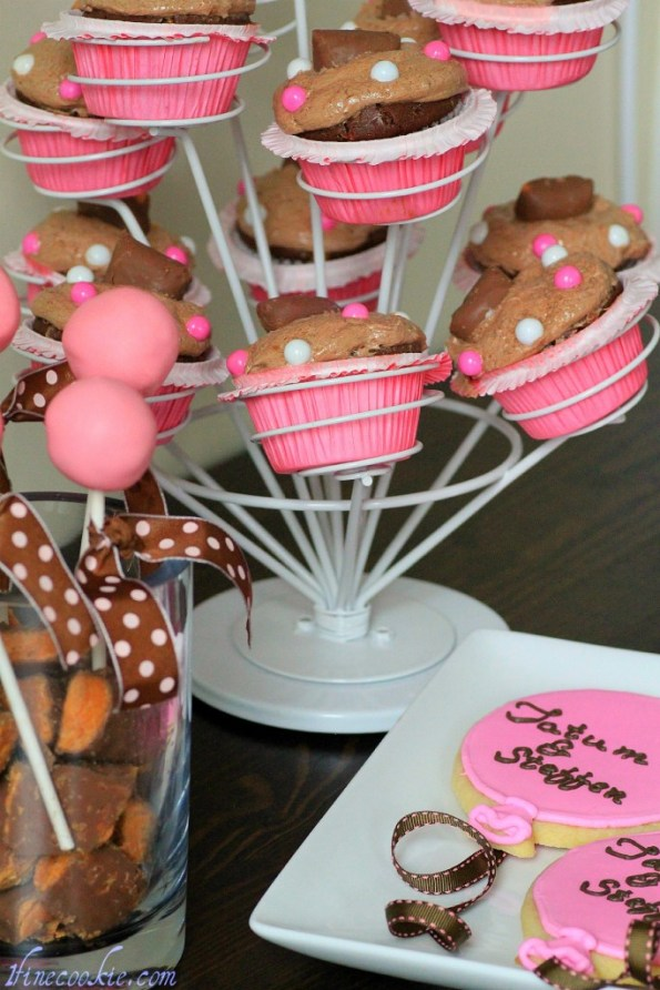 butterfingercupcakes tatum steffen cookies sugar royal icing decorated cake pops pink brown chocolate balloons