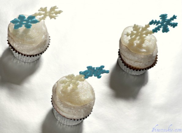 Snowflake cupcakes winter wonderland chocolate snow flake white disco dust topper ice