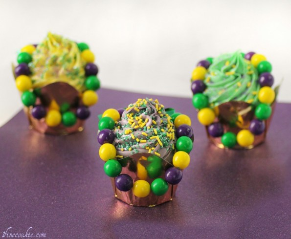 Edible Beaded Necklace-adorned Mardi Gras cupcakes bubble gum candy