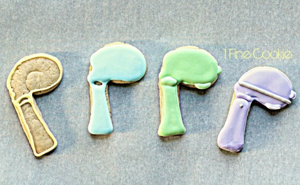 Cute 3D Stand Mixer Cookies by 1 Fine Cookie 1, how to make 3d cookies, royal icing recipe, sugar cookie, cut out cookie recipe, silicone mold, decorated cookies,