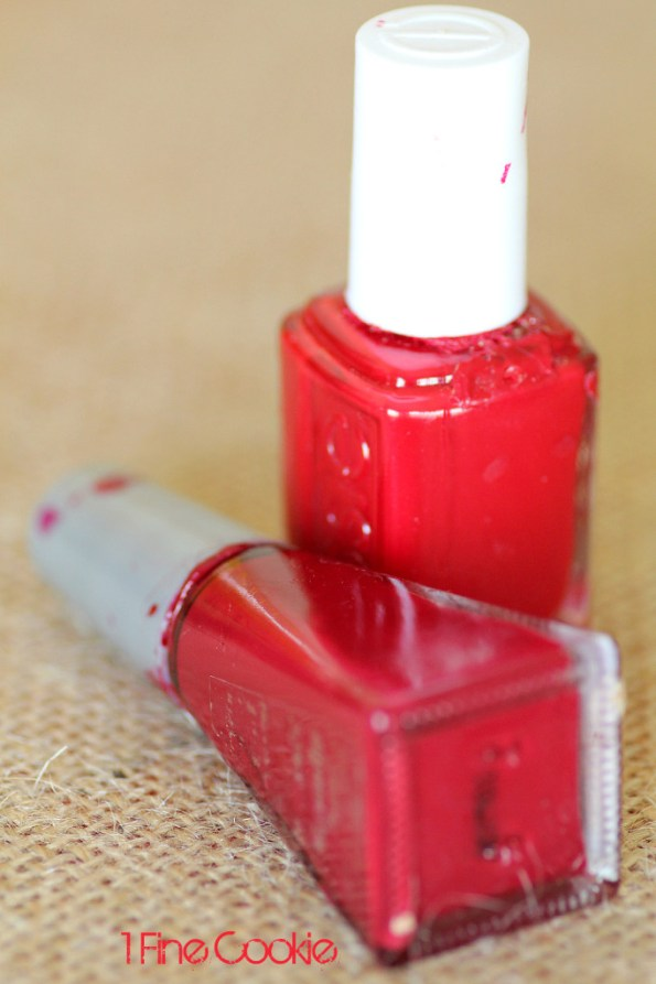 red nailpolish