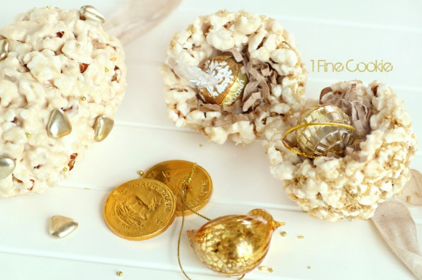 treat-filled edible ornaments by 1 Fine Cookie,  flavored, popcorn, ball, treats, ornaments, hollow, filled, treat, hanging, gold, silver, holiday, thanksgiving, new year's eve, new years, christmas, hanukkah, edible, cute, ideas, party, theme, craft, diy, pretty, tips, how, to, make, do it yourself, recipe, recipes, sweet, chocolate, caramel, vegetable saver, uses, gelt, paper, chocolate, candy, toy, trinket,