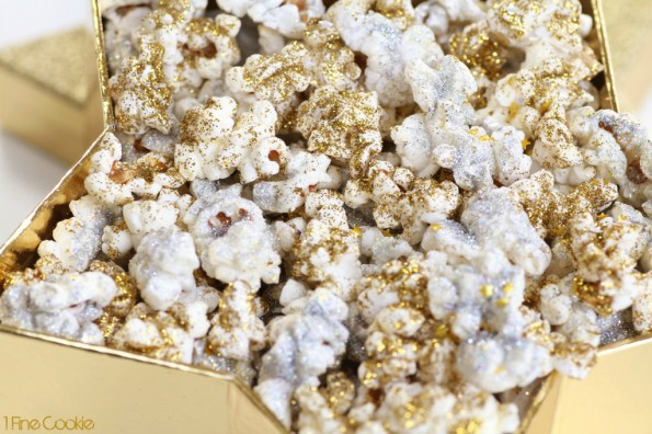 New Year's glamour glitter popcorn recipe by 1 Fine Cookie, disco, dust, edible, glitter, new, years, recipe, ideas, appetizer, healthy, gold, silver, snack, shimmer, bling, resolution, party, food, january, oscars, movie, watching, party, viewing, wedding, salty, kernel, seasons, seasoning, sparkly,