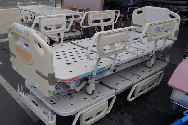 1 Hospital bed for Sale Advanta P1600