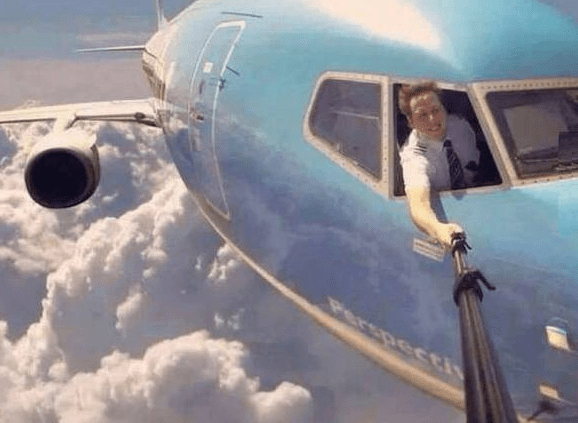 Could-this-pilot-selfie-be-real