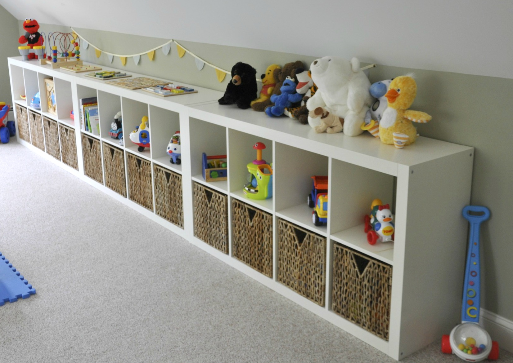Ikea expedit playroom storage 2 sisters 2 cities for Kids room toy storage