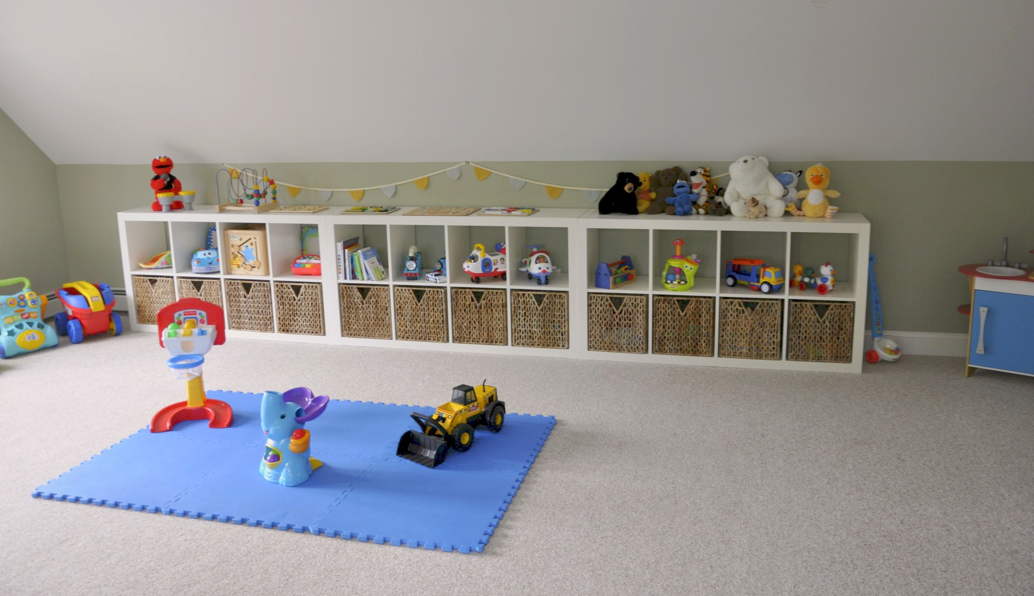 Ikea expedit playroom storage 2 sisters 2 cities for Shelving for kids room
