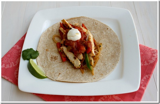 Chicken-Fajitas-with-Toppings_thumb.jpg