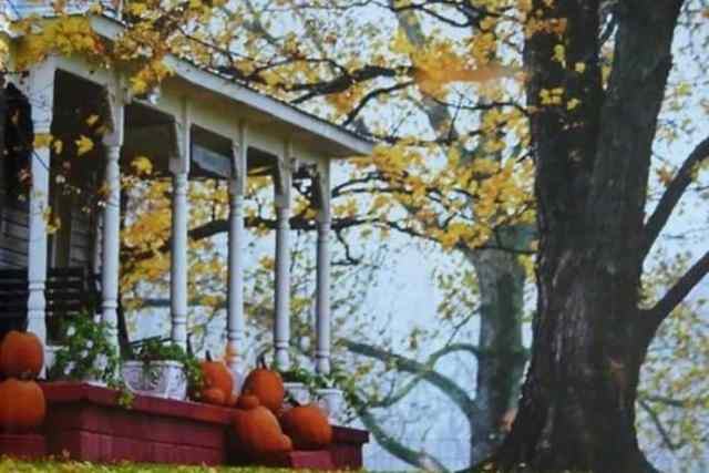 Welcoming Festive Fall Porch Ideas