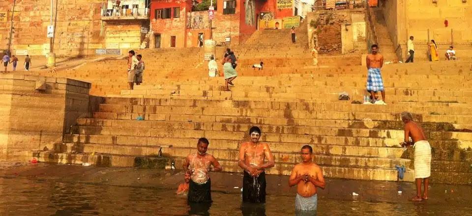 Como são os (temidos) banheiros na Índia