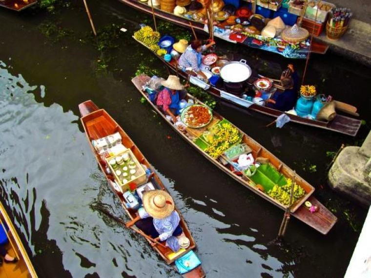 Mercado-Flutuante-de-Bangkok