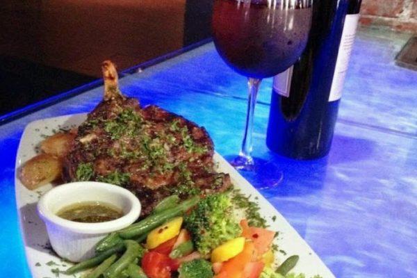 3 vinos food image