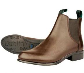 SMart brown or black short boots with or without chaps are ideal.