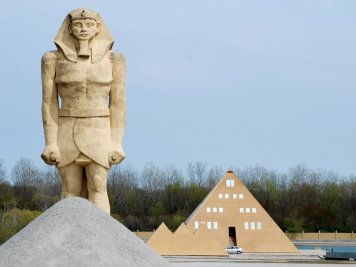pyramid-house3