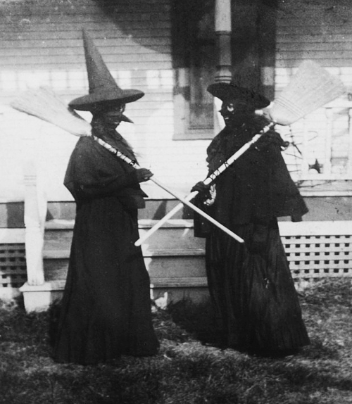 Bizarre Vintage Halloween Photos