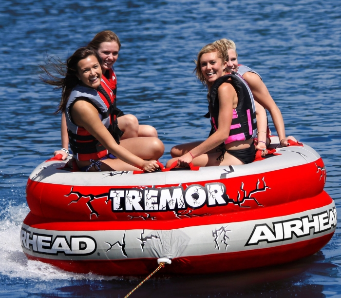 Airhead AHTM-4 Tremor 1-4 Person Towable Tube   Amazon.com   Automotive - PT01