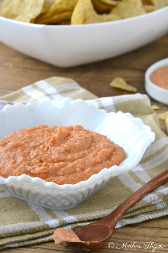 White Bean and Roasted Red Pepper Dip   www.motherthyme.com