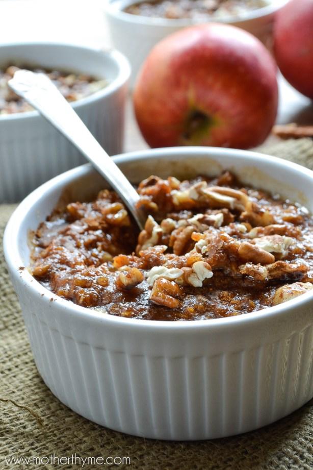 Pumpkin Pie Oatmeal | www.motherthyme.com