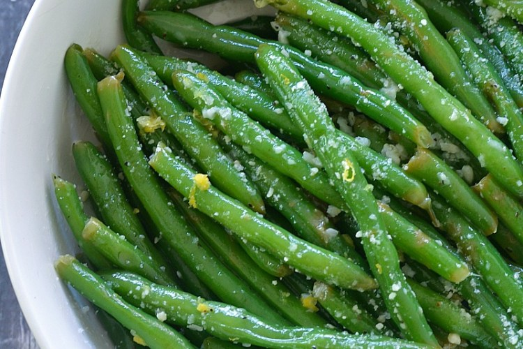 Lemon Butter Green Beans with Garlic and Parmesan