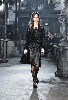 Chanel_runway_fashion_magazine_social (14)