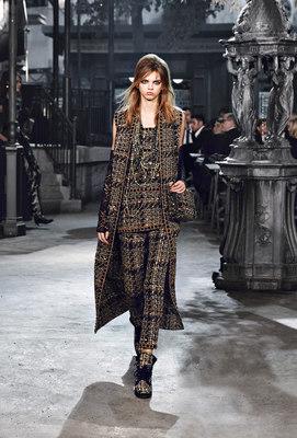 Chanel_runway_fashion_magazine_social (20)