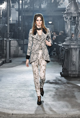 Chanel_runway_fashion_magazine_social (7)