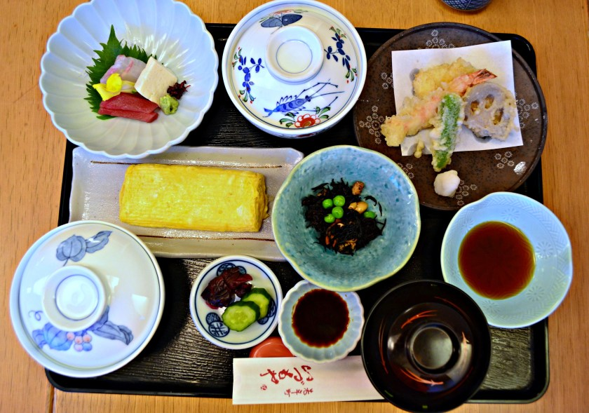 Kaiseki meal, traditional japanese dinner