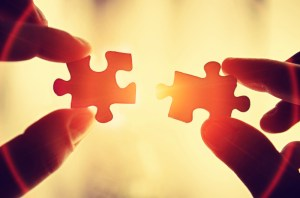 2-puzzle-pieces-